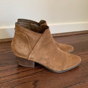 Crown Vintage Brown Booties